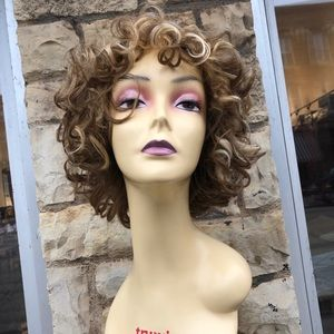 Accessories - Short curly blonde mix wig